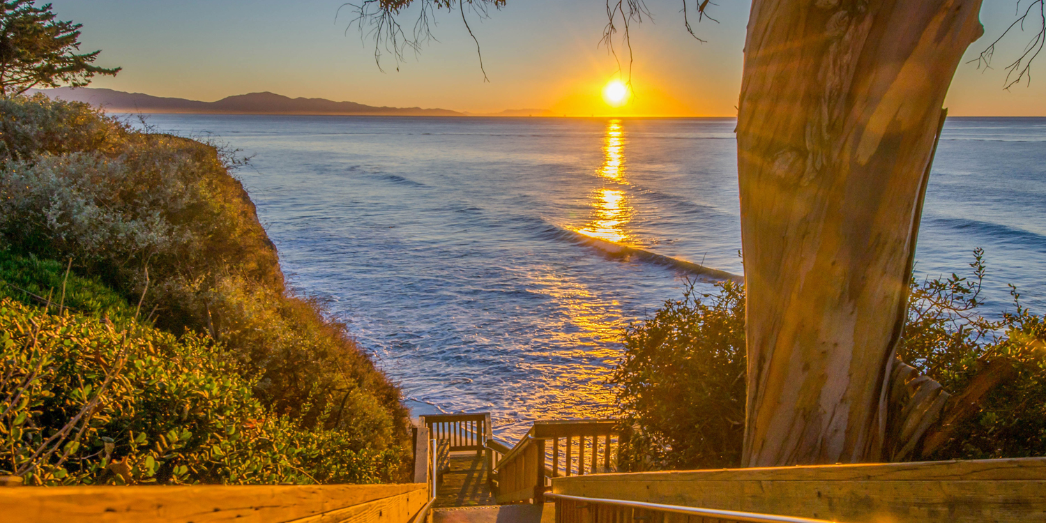 TAKE A STROLL DOWN TO THE SANTA BARBARA BEACH