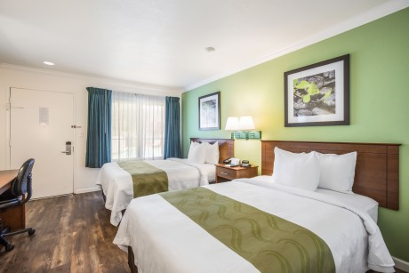 Welcome To The Quality Inn Santa Barbara - Double Beds Bedroom